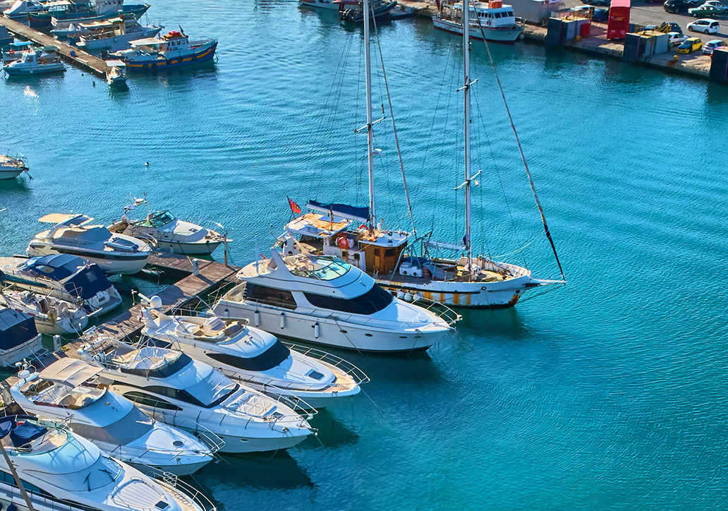 it-services-private-yacht-clubs-clubhouse